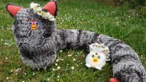 Storie di lupi, uccelli e Furby, lunghissimi Furby.